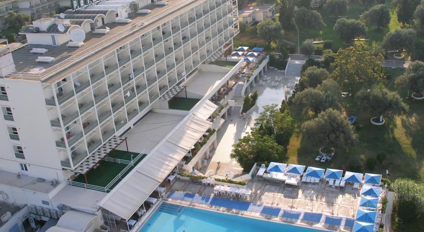 Отель в остров Эвия на берегу моря
