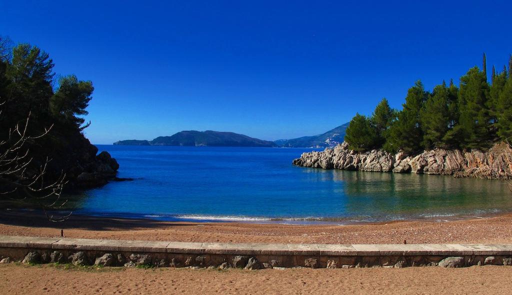 черногория-пляж.jpg